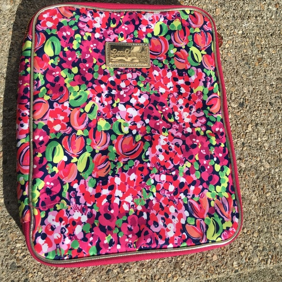designer fashion 7b9ab 77a85 NEW NEVER BEEN USED Lilly Pulitzer computer case